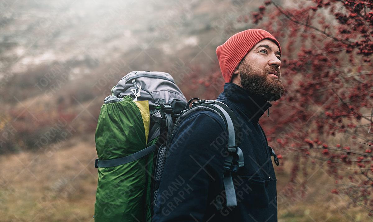 عکس با کیفیت کوهنورد و لوازم کوهنوردی